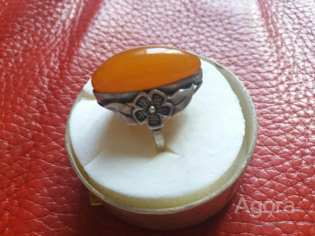 кольцо серебрянное с янтарём ссср