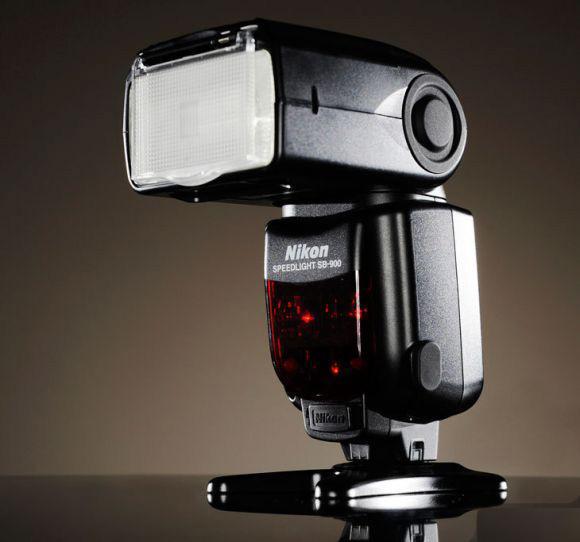 Вспышка для профессионалов Nikon Speedlight SB-900