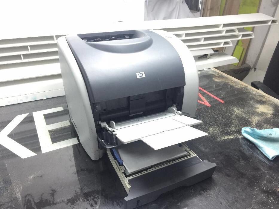 продам Цветной лазерный Принтер HP Color LaserJet 2550n