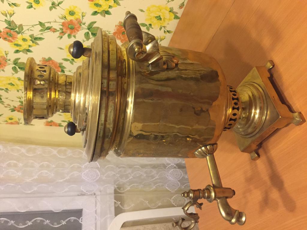 коллекция самоваров (Баташева 19 век, мини-копия 1970-х, электрический 1980-х)