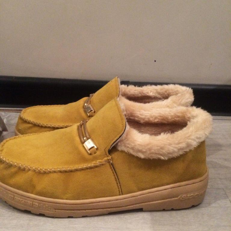 Продаются теплые ботинки