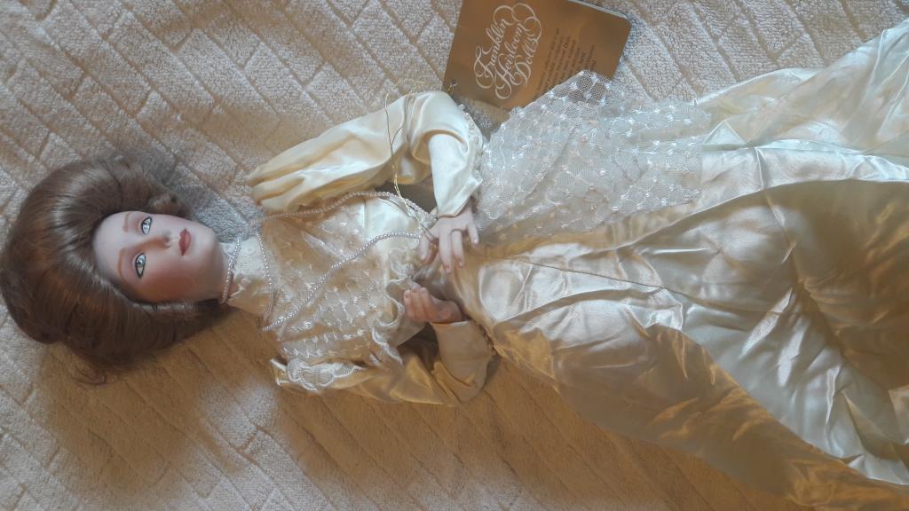 Фарфоровая кукла. Девушка Гибсона Производство Малайзия привезен с Франции