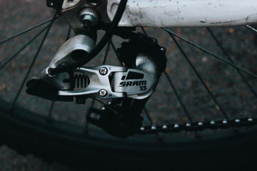 Продаю велосипед гибрид с горными и шоссейными покрышками + БОНУСЫ