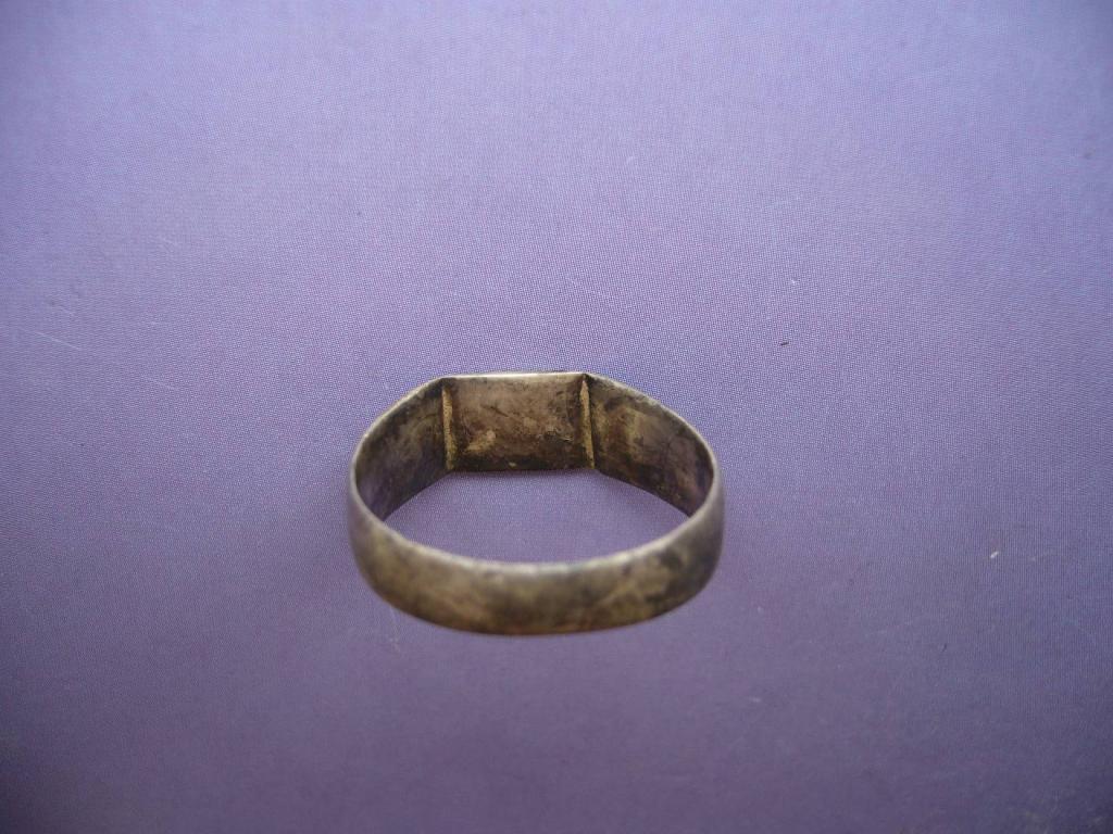 Кольца, пуговицы, пряжки старин.