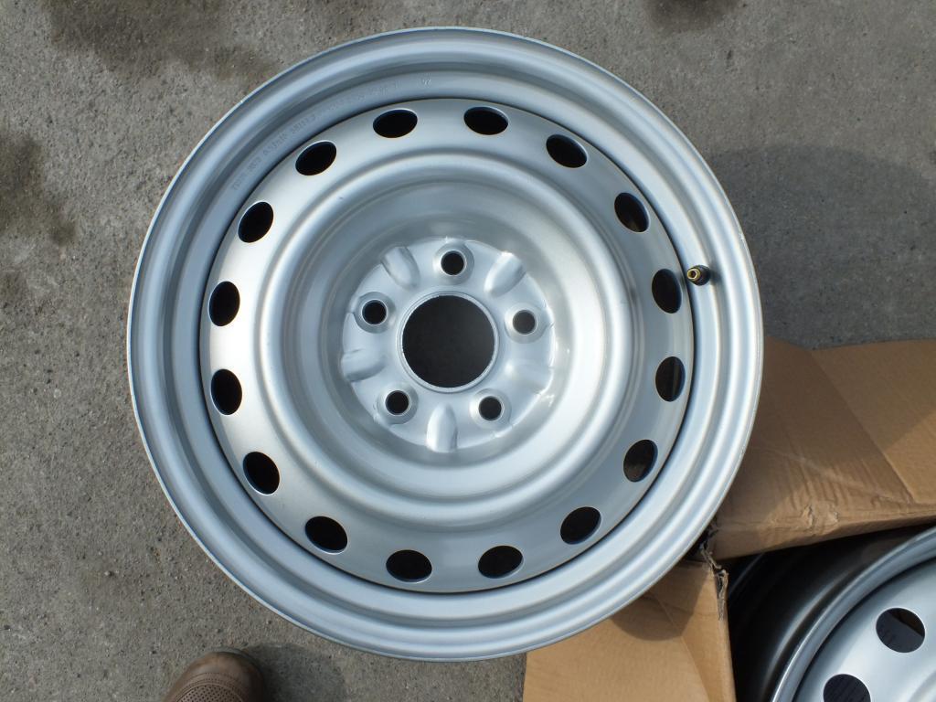 Стальные диски R16 (цвет серебро)