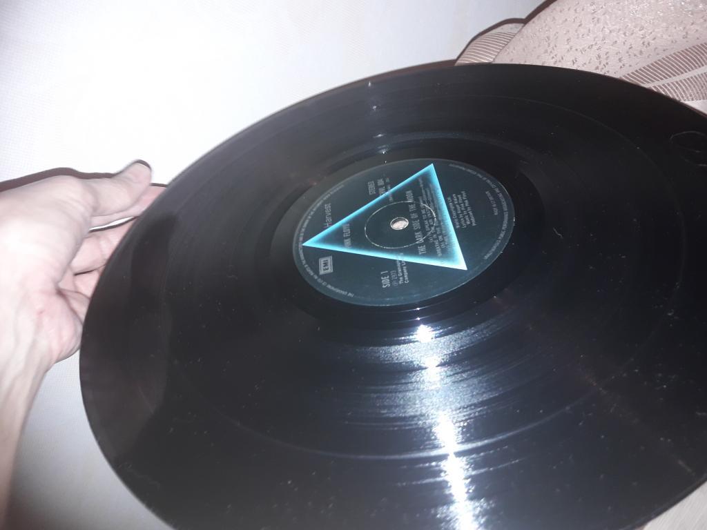 виниловый диск подлинник Великобритания Pink Floyd  The dark of the moon