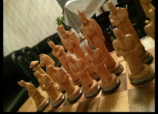 Шахматный столик ручной, авторской работы.