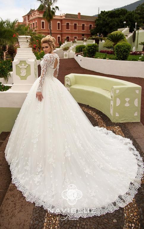 Шикарное 3 D свадебное платье итальянского бренда Malinelli