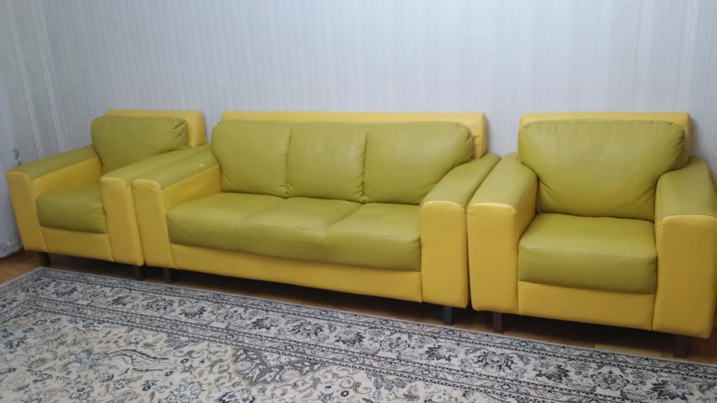 Продаю диван, два кресла