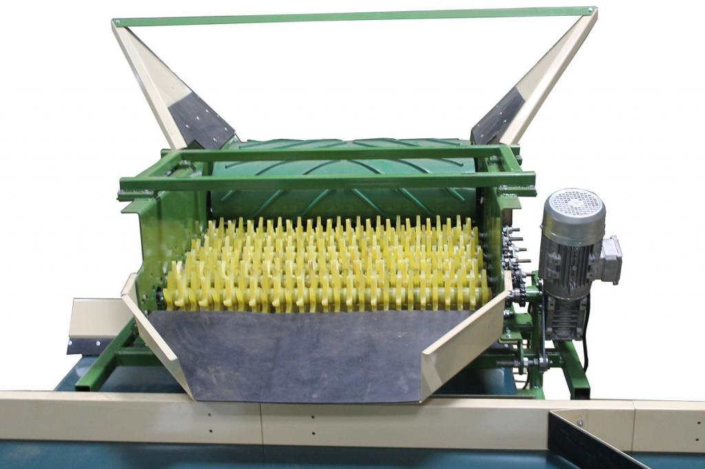 бункер для картофеля и овощей с установкой для отбивки от земли КЛП-2
