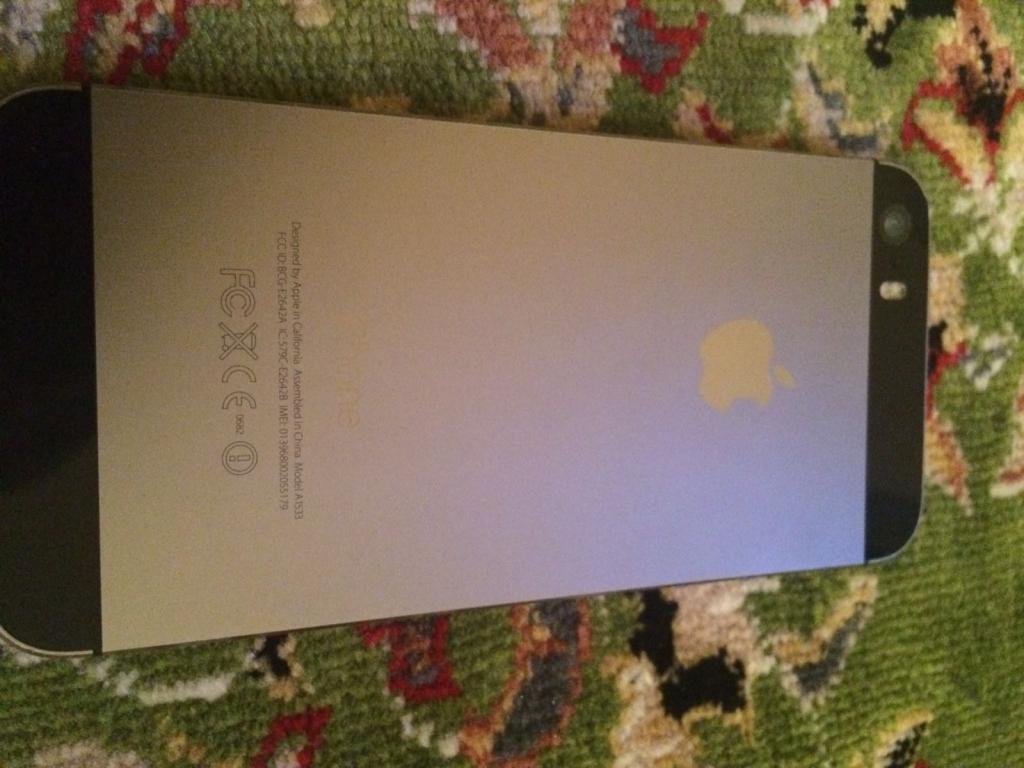 Apple iPhone 5s grey 16 gb