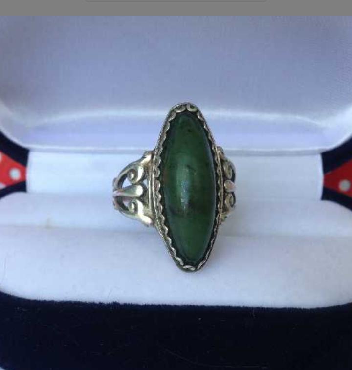 Старинное серебряное кольцо  875 пробы с камнем нефрит