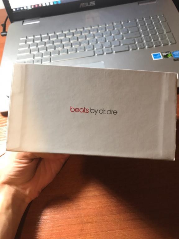 Продам наушники PowerBeats 3 Wireless