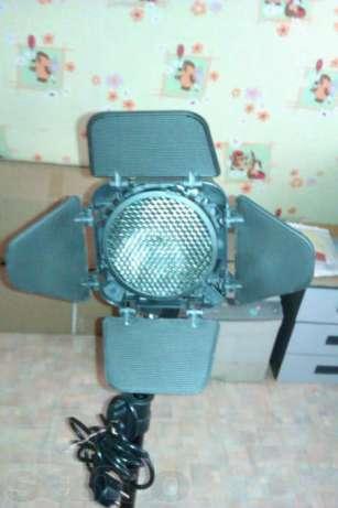 Набор фотостудийного оборудования Jinbei Delicacy D200 Kit