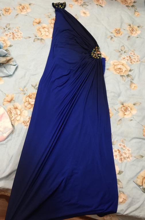 Срочно продам турецкое шикарное платье в пол