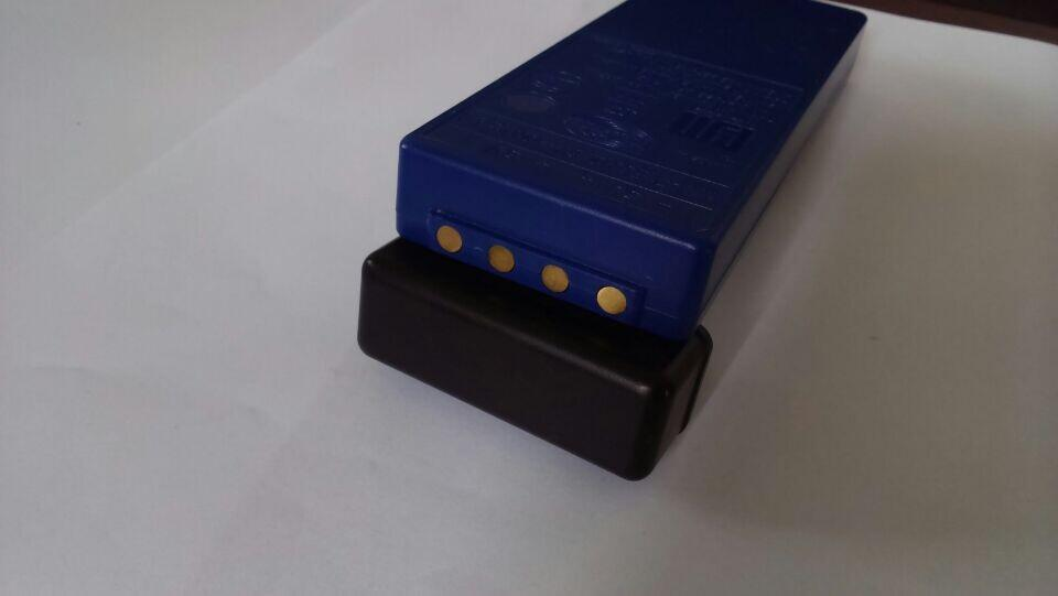Батарейка на пульт управления бетононасоса
