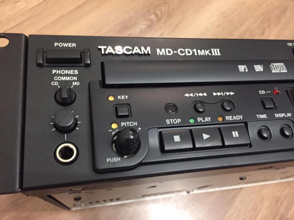 проигрыватель Tascam MD-CD  MK3