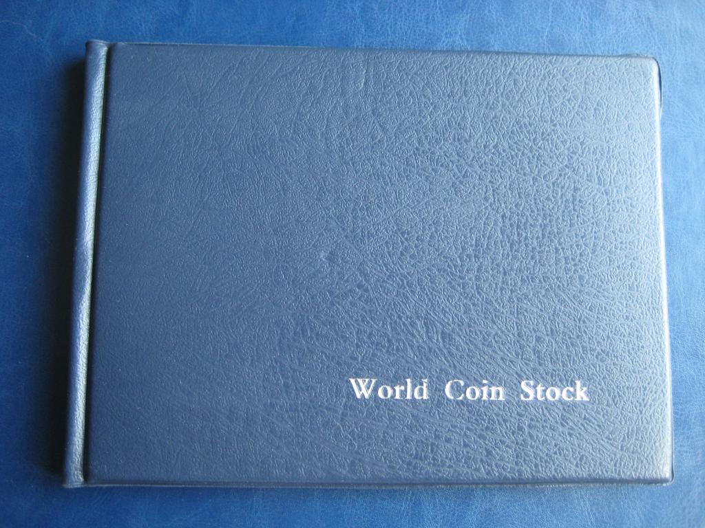 Альбом для монет(Казахстан,СССР) на 96 монет.лот 2698