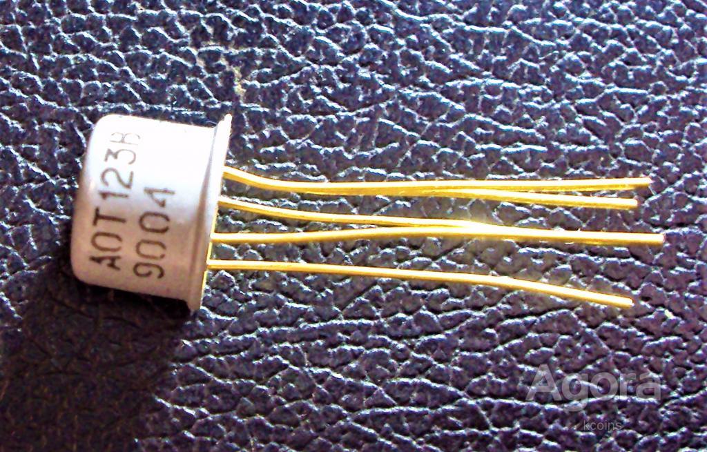 Транзисторная оптопара АОТ123В.