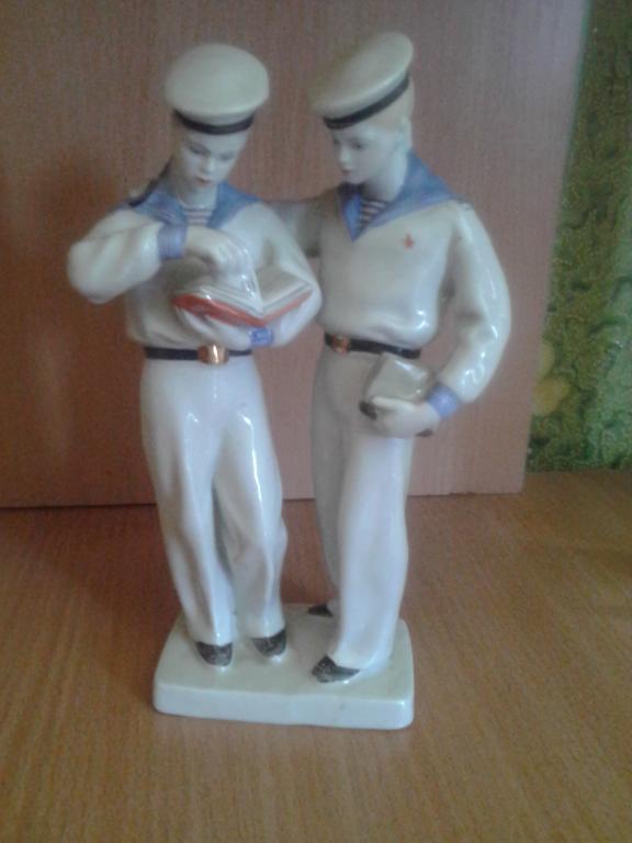 фарфоровая статуэтка-нахимовцы. моряки