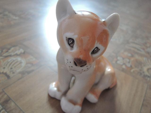 фарфоровая статуэтка-тигр. тигренок. лфз