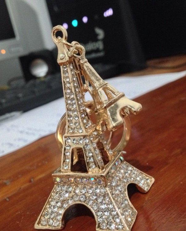 На ключи Брелок со стразами Эйфелева башня