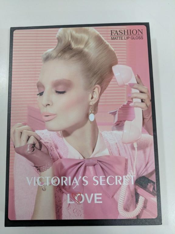 Блеск для губ Victoria's Secret Love 36 шт.