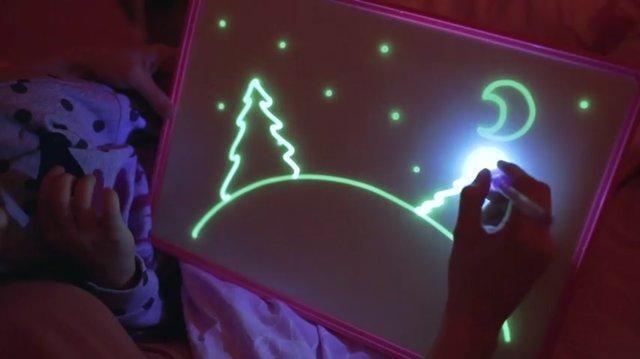 Набор для рисования в темноте Рисуй светом A5 YG3503 ручка